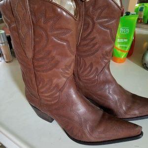 "Guess ""Punk"" cowboys boots"